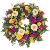 loose mixed traditional wreath