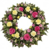 Traditional open wreath